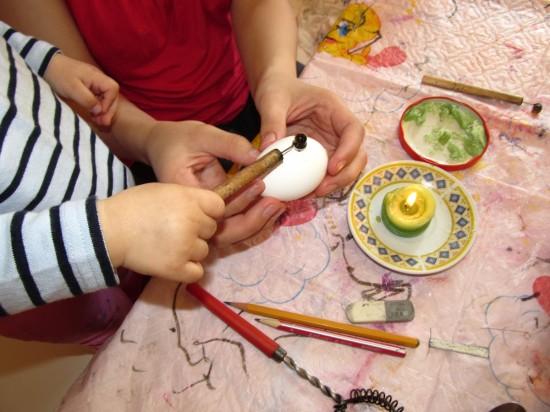 детский мастер-класс по росписи писанок