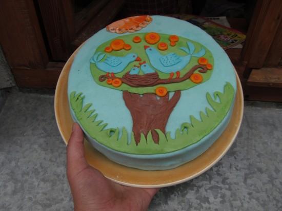 Торт, украшенный мастикой