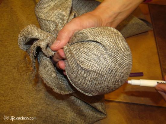 Как сделать новогодний шар из пенопластовой заготовки?