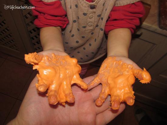 Как сделать украшение из мастики для торта динозавр?